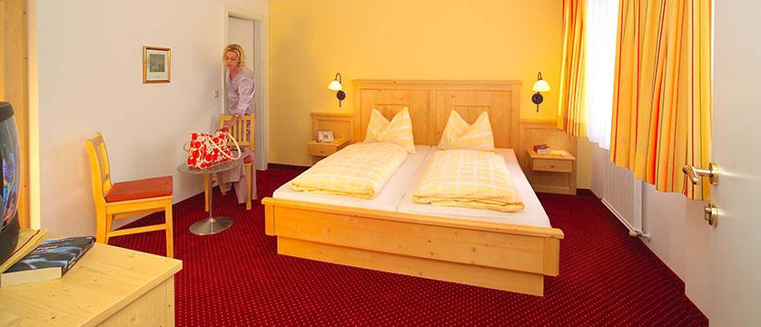 austria_ski-welt-ski-area_soll_hotel-austria_bedroom.jpg